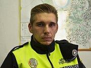 Žatecký strážník Ondřej Kouba pomohl zachránit lidský život.