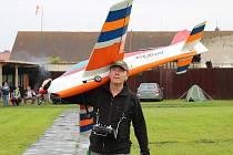 Závody leteckých modelářů v akrobacii v Dobroměřicích