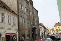 Bývalý posádkový dům armády v Žatci.