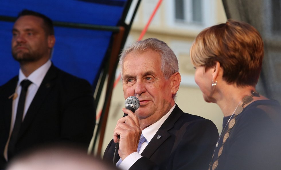 Setkání s prezidentem Milošem Zemanem na náměstí Svobody v Žatci. 4. října 2017