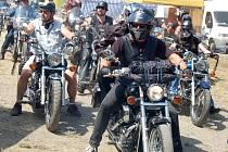 Motorkáři na loňském srazu Rack Reyd v Žerotíně