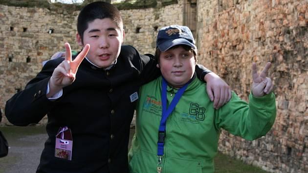 Japonské děti navštívily kamarády v Panenském Týnci.