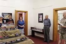 Regionální muzeum K. A. Polánka v Žatci otevřelo v Křížově vile novou výstavu Papírové království.
