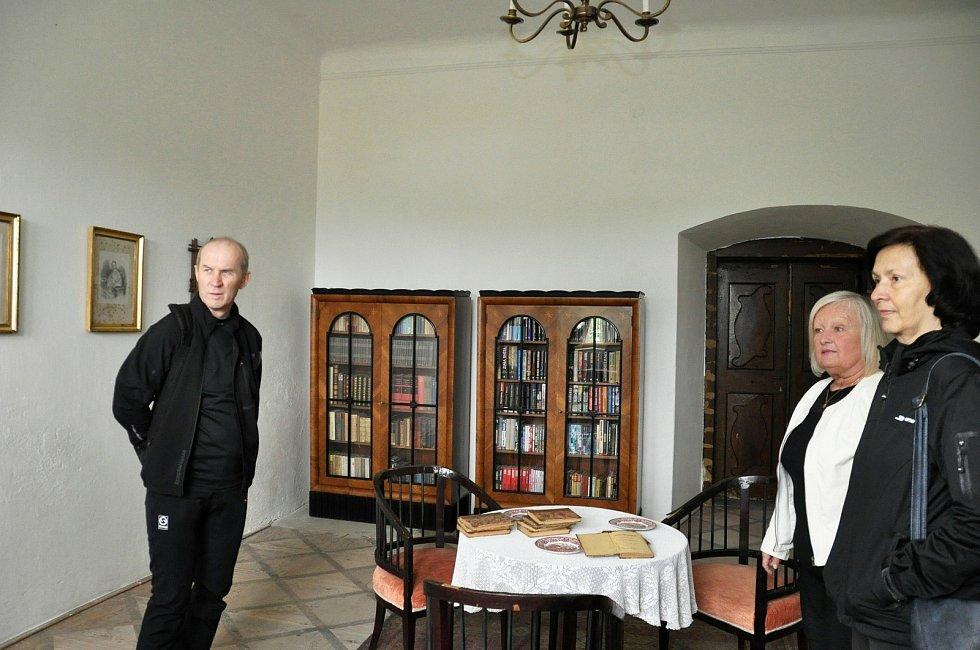 Také zámek Pátek na Lounsku zahájil další turistickou sezónu.