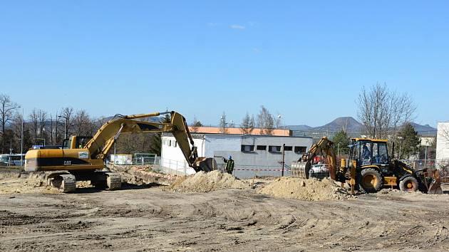 Státní okresní archiv v Lounech se přestěhuje do zcela nové budovy. Ta se začala stavět mezi ulicemi Rakovnická a Pod Nemocnicí.
