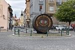 První sud se na kruhovém objezdu v Žatci objevil vroce 2004 v centru města na Kruhovém náměstí, stojí tam dodnes.