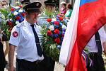 Oslavy 670 let obce Líšťany začaly průvodem a položením věnců u místního pomníku