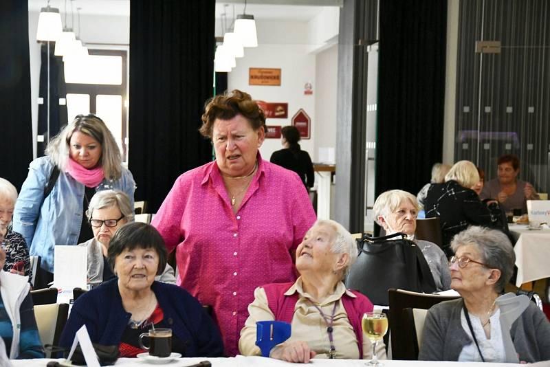 V Lounech slavili Den seniorů.