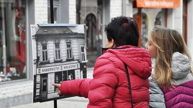 Výstava fotografií z cyklu Bylo tu… není tu… v Lounech