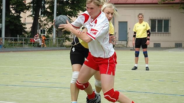 Lenka Wüstová se v soubojích proti Přešticím trápila.