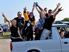 Tuning sraz Carwars na letišti v Panenském Týnci