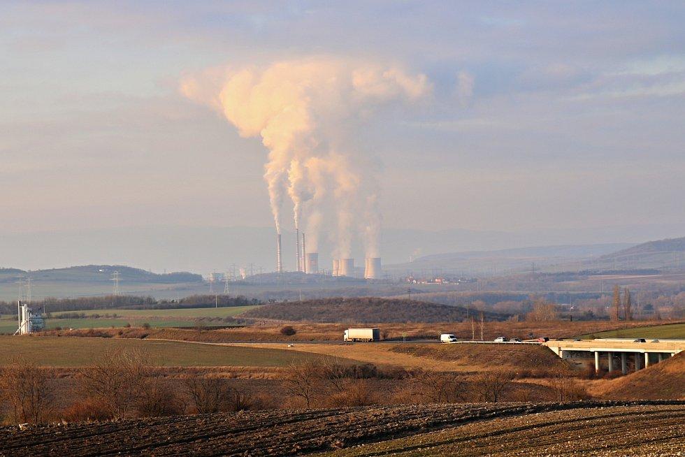 Elektrárna Počerady pohledem od Loun