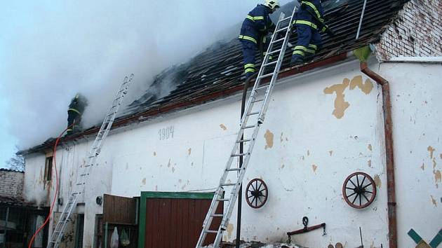 Požár stodoly v Kryrech