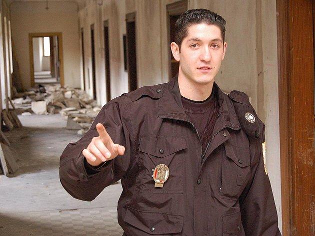 Roman Kaleja ještě jako řadový strážník na archivním snímku