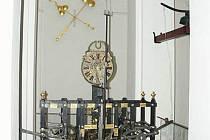 V muzeu si návštěvníci mohou prohlédnout věžní stroj, který je stále funkční.