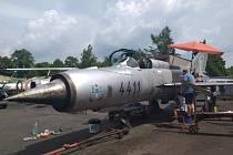 Letecké muzeum Korea - Merkur z Bezděkova zahájilo přípravy na přesun letounu MiG 21.