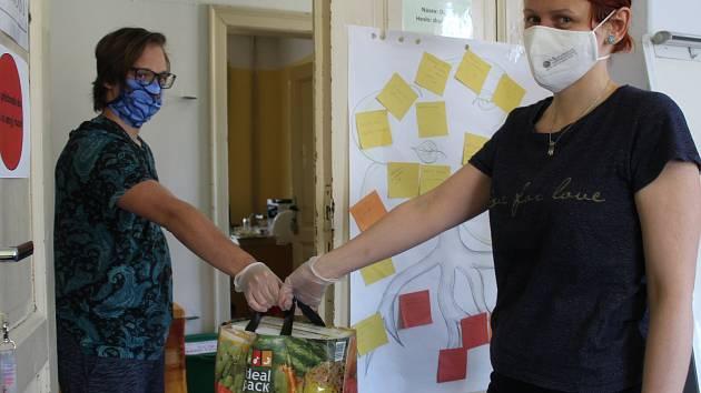 Dobrovolníci spolupracují s krajským dobrovolnickým koordinačním centrem.