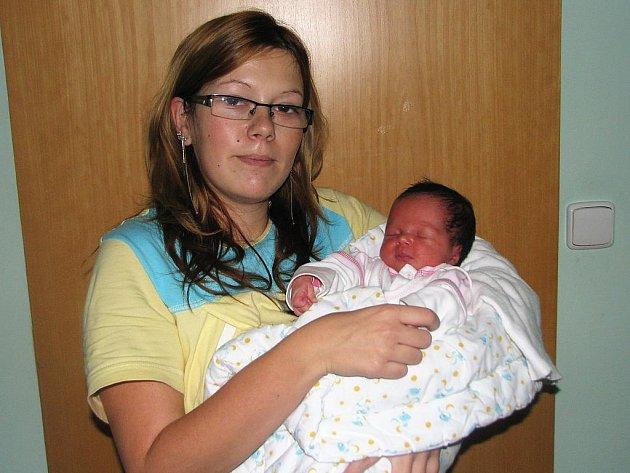 Mamince Michaele Kopečné z Vroutku na Podbořansku se 31. října 2011 ve 23.24 hodin narodila dcera Lucie Kopečná. Vážila 3,17 kg a měřila 50 cm.