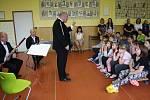 Dechové trio Accordo navštívilo ZŠ Petra Bezruče v Žatci