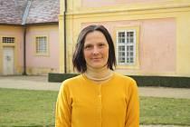 """Michaela Hofmanová je už 13 let kastelánkou na zámku v Krásném Dvoře. """"Být kastelán je určitý životní styl,"""" říká rodačka z hlavního města."""