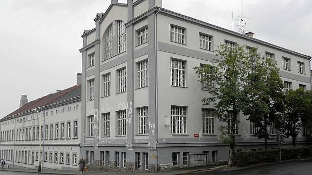 Horní část areálu bývalých papíren v Žatci, kde má vzniknout  depozitář tamního muzea.