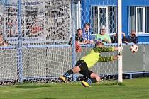 Gólman Modré Milan Matějka kryl penaltu Trupa a Modrá se mohla radovat ze zisku dvou bodů.