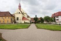 Zrekonstruovaná Klášterní zahrada v Žatci