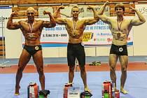 Mistrem republiky v atletickém fitness se v Brně stal Slávek Novotný z Fitness studia Louny (uprostřed)