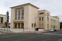 Vrchlického divadlo v Lounech
