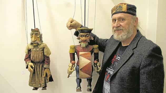 Regionální muzeum K. A. Polánka vŽatci zve na výstavu Za loutkami Antonína Müllera.