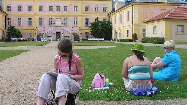 Mladí umělci z Jekatěrinburgu malovali v Krásném Dvoře.