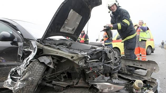 Dopravní nehoda u obce Drahomyšl.