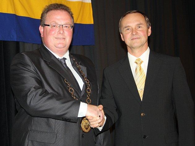 Starosta Radek Reindl (vlevo) a místostarosta Karel Honzl povedou město dál.