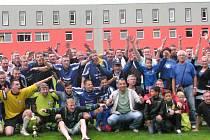 Fotbalisté Postoloprt se svými fanoušky i přes prohru ve finále poháru slavili. Příští sezonu si zahrají krajský přebor.