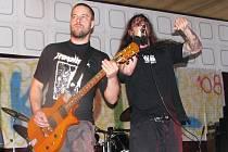 Vystoupení hardcorové kapely Fetus in fetu.