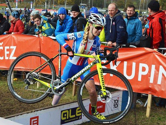 Martina Mikulášková na evropském šampionátu cyklokrosařů v Táboře