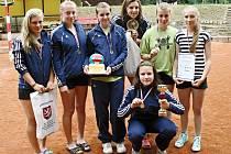 Vítězný tým Severu Žatec, který deklasoval ostatní volejbalistky na turnaji v Duchcově.