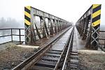 Železniční most přes řeku Ohři u Libočan na Žatecku má projít rozsáhlou rekonstrukcí.