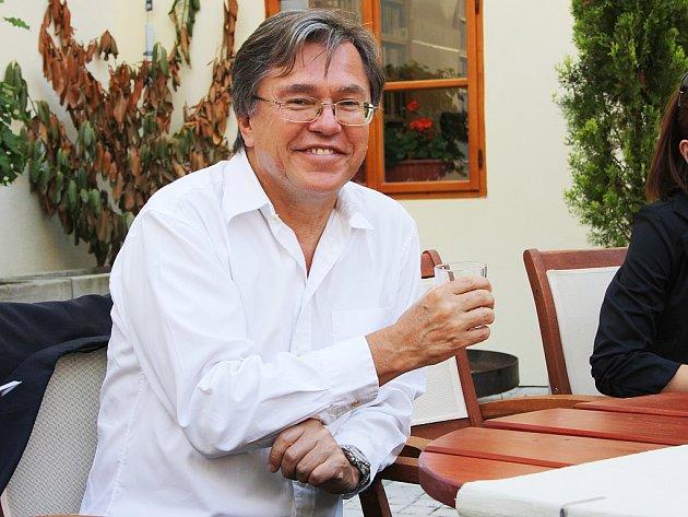 Libor Rouček na besedě v Lounech
