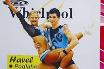 Filip Hrdlička při svém párovém vystoupení s oddílovou kolegyní z Juniorského fitness klubu Louny Klárou Benešovou.