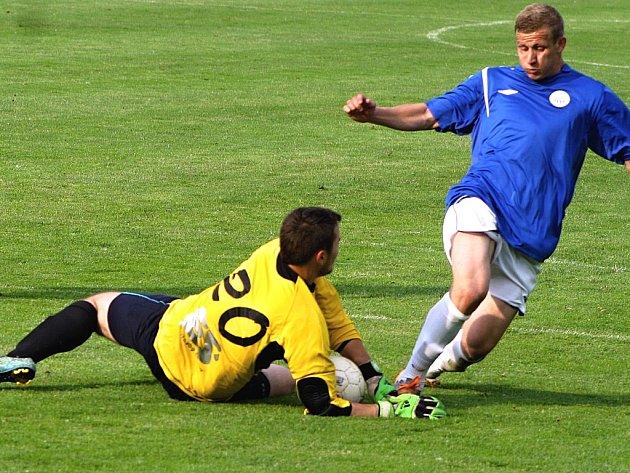 Utkání Slavoj Žatec (zelení) - FK Bílina (modří)