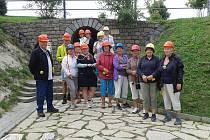 Lounská knihovna vzala studenty Třetího věku na exkurzi do Slavkovského lesa