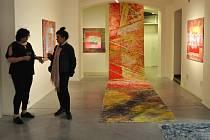Expozice Na břehu Ohře zavítala do Galerie města Loun.