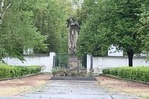 Pomník obětem Českého Malína v Žatci projde úpravami.
