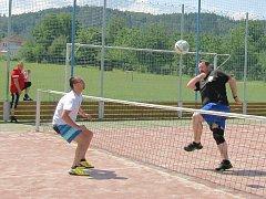 Nohejbalisté při tradičním červencovém turnaji v Blatně u Podbořan.