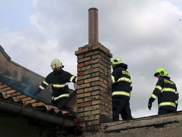 Ve Smetanově ulici v Dobroměřicích hořela kůlna