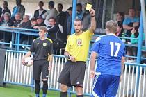 Postoloprty (v modrém) - Kryry 3:0 (0:0), sobotní utkání krajské 1. A třídy fotbalistů.