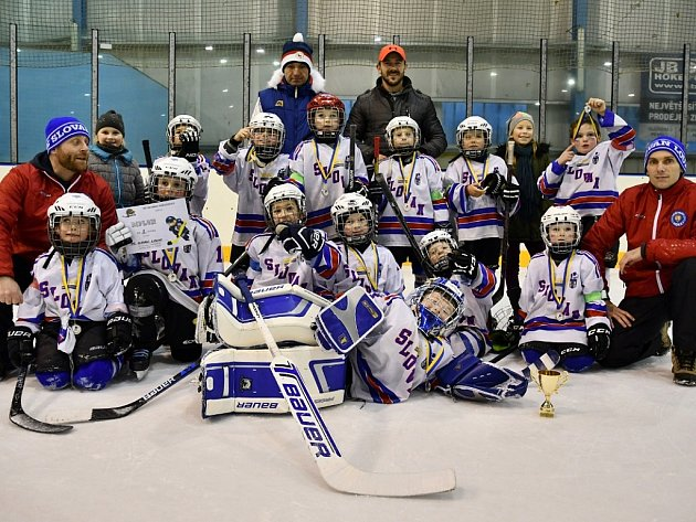 Mladí hokejisté Slovanu Louny (1. třída) byli druzí na turnaji v Neratovicích.