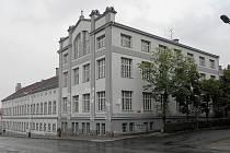 V depozitář se má změnit blok budov bývalých papíren na rohu ulic Studentská a Volyňských Čechů.