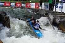 Žatečtí kanoisté na závodě v německém Augsburgu.